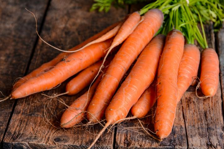 carrots2 - 14 Fruits And Vegetables To Grow For Your Small Garden